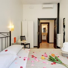 Отель Ad Hoc B&B Стандартный номер с двуспальной кроватью (общая ванная комната) фото 9