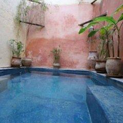 Отель Riad Darmouassine Марокко, Марракеш - отзывы, цены и фото номеров - забронировать отель Riad Darmouassine онлайн бассейн фото 3