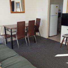 Отель Kowhai & Colonial Motel 3* Студия с различными типами кроватей фото 4