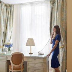 Отель InterContinental Carlton Cannes 5* Стандартный номер с различными типами кроватей фото 6