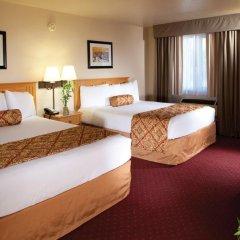 Отель Red Feather Lodge комната для гостей фото 3