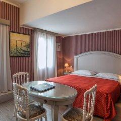 Hotel La Fenice Et Des Artistes 3* Стандартный номер с двуспальной кроватью фото 4
