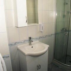 Отель Iris Болгария, Балчик - отзывы, цены и фото номеров - забронировать отель Iris онлайн ванная