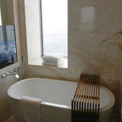 Отель Wyndham Grand Plaza Royale Oriental Shanghai Китай, Шанхай - отзывы, цены и фото номеров - забронировать отель Wyndham Grand Plaza Royale Oriental Shanghai онлайн ванная фото 2