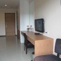 Отель Phuket Jula Place 3* Улучшенный номер с различными типами кроватей фото 9
