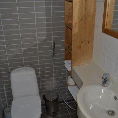 Отель Ukonniemi Spa Apartments Финляндия, Иматра - отзывы, цены и фото номеров - забронировать отель Ukonniemi Spa Apartments онлайн ванная фото 2