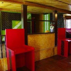 Отель Areeya Phuree Resort 3* Номер с общей ванной комнатой с различными типами кроватей (общая ванная комната) фото 3