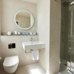 Отель Brighton Harbour Hotel & Spa Великобритания, Брайтон - отзывы, цены и фото номеров - забронировать отель Brighton Harbour Hotel & Spa онлайн ванная фото 2