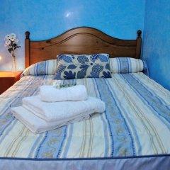 Отель Hostal Naranjos Стандартный номер с различными типами кроватей фото 9
