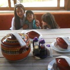 Отель Guest House Shareniya Most Чепеларе детские мероприятия