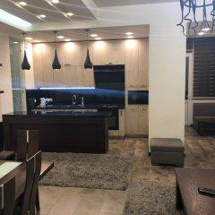 Отель Rent in Yerevan - Apartments on Sakharov Square Армения, Ереван - отзывы, цены и фото номеров - забронировать отель Rent in Yerevan - Apartments on Sakharov Square онлайн интерьер отеля