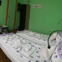 Отель Trakia Bed & Breakfast 2* Стандартный номер с 2 отдельными кроватями (общая ванная комната) фото 5