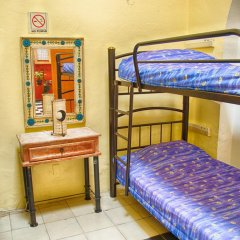 Отель Hostal de Maria Кровать в женском общем номере с двухъярусной кроватью фото 6