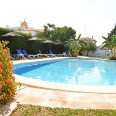 Отель Apartamentos Turísticos Cabo Roche бассейн