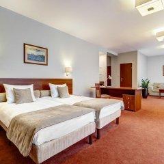 Metropol Hotel 3* Стандартный семейный номер с двуспальной кроватью