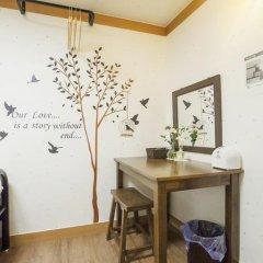 Отель Hi Jun Guesthouse Hongdae 2* Стандартный номер с 2 отдельными кроватями фото 4