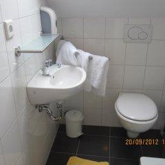 Hotel Haus Rheinblick Дюссельдорф ванная