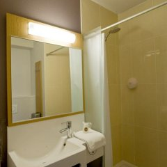 Отель B&B Hôtel Paris Romainville Noisy le Sec 2* Стандартный номер с 2 отдельными кроватями фото 3