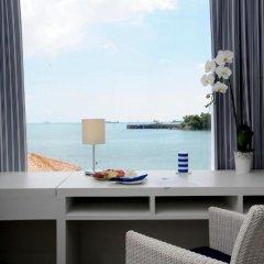 Отель Phuket Boat Quay 4* Номер Делюкс разные типы кроватей фото 9