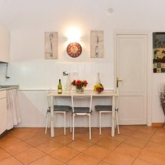 Апартаменты Trastevere Roomy Apartment в номере