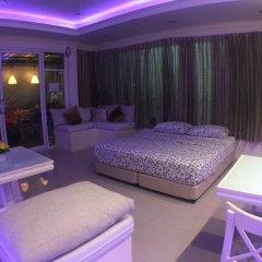 Отель Phuket Airport Suites & Lounge Bar - Club 96 Люкс с двуспальной кроватью