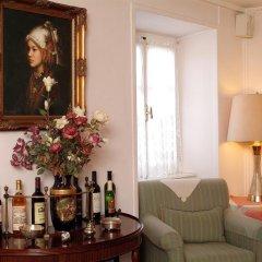 Отель Konstantinoupolis Hotel Греция, Корфу - отзывы, цены и фото номеров - забронировать отель Konstantinoupolis Hotel онлайн гостиничный бар