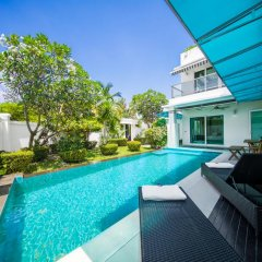 Отель Villas In Pattaya балкон