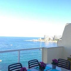 Отель Saint Julian's - Sea View Apartments Мальта, Сан Джулианс - отзывы, цены и фото номеров - забронировать отель Saint Julian's - Sea View Apartments онлайн балкон