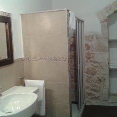 Отель B&B Il Mulino del Monastero Италия, Конверсано - отзывы, цены и фото номеров - забронировать отель B&B Il Mulino del Monastero онлайн ванная