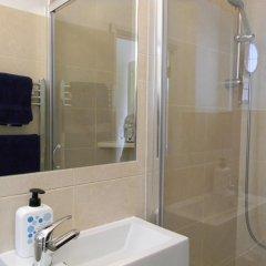 Отель Glenmore Suites Лондон ванная