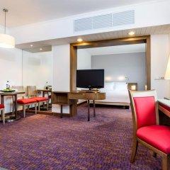 Отель Novotel Bangkok On Siam Square 4* Улучшенный номер с 2 отдельными кроватями фото 2