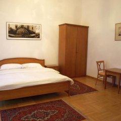 Отель U Cerneho Medveda- At The Black Bear Апартаменты с различными типами кроватей фото 6