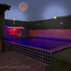 Отель VITS Patong Dynasty бассейн фото 3