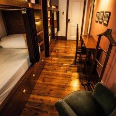 Home Lisbon Hostel Кровать в общем номере с двухъярусной кроватью фото 7
