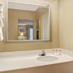 Отель Ramada Waterfront Sarasota 3* Стандартный номер с различными типами кроватей фото 3