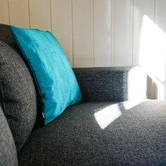 Отель Tjeldsundbrua Camping Коттедж с различными типами кроватей фото 16