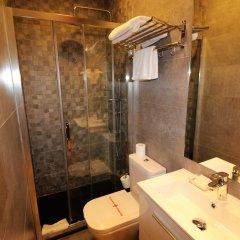 Отель Hostal Hispano - Argentino Испания, Мадрид - 1 отзыв об отеле, цены и фото номеров - забронировать отель Hostal Hispano - Argentino онлайн ванная фото 2