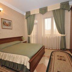 Гостевой дом Мамайка Стандартный семейный номер с двуспальной кроватью фото 3