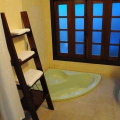 Отель Flower Garden Homestay 3* Номер Делюкс фото 47