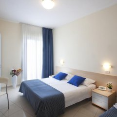 Hotel Fantasy Римини комната для гостей фото 4