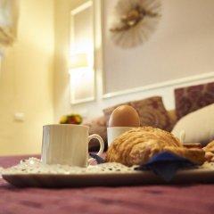 Отель Domus Cavour 3* Стандартный номер с двуспальной кроватью фото 17