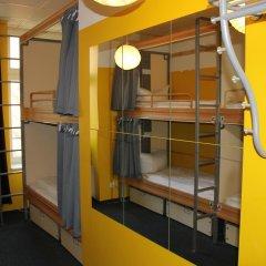Отель St Christophers Inn Berlin Кровать в общем номере с двухъярусной кроватью фото 23