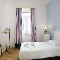 Отель Typical Lisbon Guest House Стандартный номер с различными типами кроватей фото 2