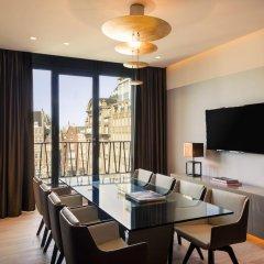 NH Collection Amsterdam Grand Hotel Krasnapolsky 5* Улучшенный номер с двуспальной кроватью