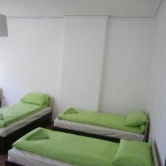 Ivory Tower Hostel Кровать в женском общем номере