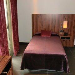 Отель California комната для гостей фото 6