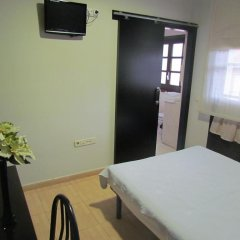 Отель Hostal Julian Brunete Брунете удобства в номере