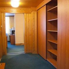 Отель Pensjonat Biały Potok сейф в номере