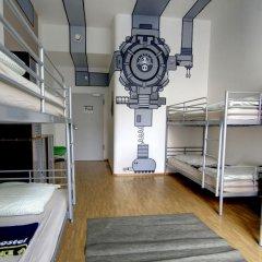 Heart of Gold Hostel Berlin Кровать в общем номере с двухъярусной кроватью фото 6
