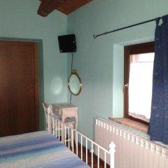 Отель Agriturismo Casale Il Gallo Bianco Озимо удобства в номере